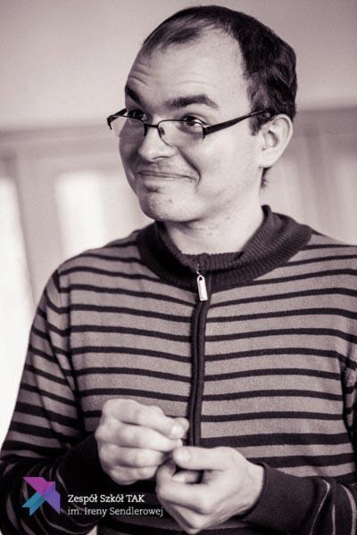 Piotr prowadzi zajęcia w Opolu zajęcia o czekoladzie