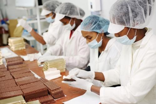 Pakowanie czekolad Menakao